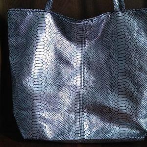 Silver/Black tote